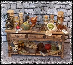 ooak miniature by Soraya Merino Halloween Miniatures, Fantasy Miniatures, Clay Miniatures, Dollhouse Miniatures, Vitrine Miniature, Miniature Dolls, Miniature Houses, Miniature Food, Haunted Dollhouse