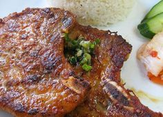 Thit Heo Nuong: Grilled lemon grass - five spice pork chops. A Vietnamese favourite. A great addition to any home BBQ this summer. Vietnamese Pork Chops, Vietnamese Grilled Pork, Vietnamese Cuisine, Asian Pork Chops, Grilled Meat, Asian Recipes, Healthy Recipes, Asian Foods, Chinese Recipes
