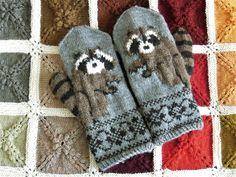 Ravelry: lacesockslupins' Raccoon Mittens