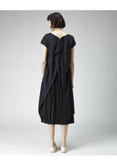 Y's / Open-Back Dot Dress | La Garçonne