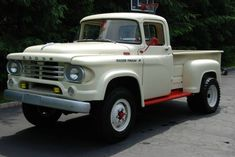 Dodge W100 - 1958 - Would love to drive this!