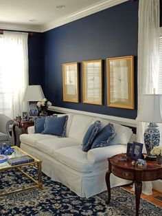 Blue Living Room Decor - What is the best color combination for blue? Blue Living Room Decor - Should all rooms in house be same color? Blue Rooms, White Rooms, Blue Walls, White Bedroom, Blue And White Living Room, Elegant Living Room, Blue Living Room Walls, White Decor, Living Room Inspiration