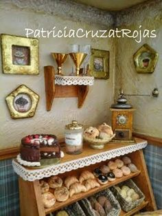 Patricia Cruzat Artesania y Color: Café Pub