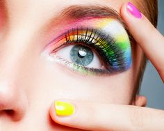 A POP OF COLOR! ▶ Eye Shadow