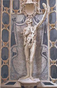Cadaver tomb