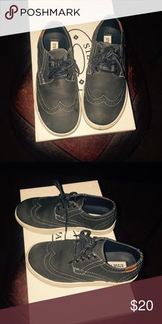 Steve Madden boys Oxford sneakers These are super cute for that stylish lil guy. My son only wore them once. Great blue to go with jeans for school. Steve Madden Shoes Dress Shoes