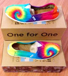 rainbow toms shoes