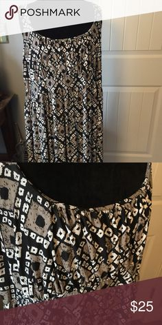 SWAK Tank Dress SWAK Tank Dress Only worn twice  	• Poly/Spandex blend 	• Size tag is missing, but to my best recollection, it's a SWAK size 3X, which is like a 22 	• Black & Beige 	• Knee Length 	• Preowned, excellent condition SWAK Dresses Midi