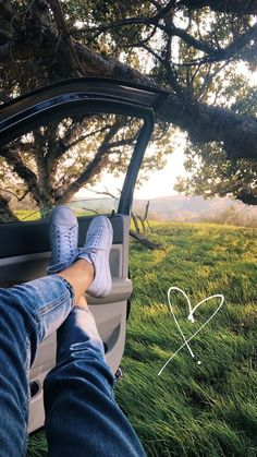 Liebe Natur Tapete Liebe Natur Tapete The post Liebe Natur Tapete appeared first on Tapeten ideen. Portrait Photography Poses, Photography Poses Women, Tumblr Photography, Creative Photography, Nature Photography, Phone Photography, Photography Reflector, Dental Photography, Photography Aesthetic