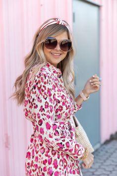 Pink n' Print ~ Suburban Faux-Pas Ella Shoes, Heart Nail Designs, Bow Sandals, Elegant Outfit, Zara, Classy, Street Style, Style Inspiration, Shirt Dress