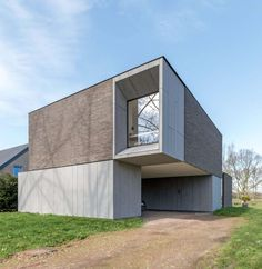 Image 1 of 19 from gallery of DE BAEDTS House / Architektuuburo Dirk Hulpia. Photograph by Alejandro Rodríguez Modern Architecture Design, Minimalist Architecture, Residential Architecture, Interior Architecture, Arch House, Facade House, House Floor, Minimalist House Design, Minimalist Home