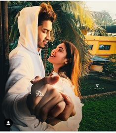 Cute Couple Selfies, Cute Love Couple, Cute Couple Pictures, Beautiful Couple, Romantic Pictures Of Couples, Couples Images, Cute Couples, Couple Photoshoot Poses, Pre Wedding Photoshoot
