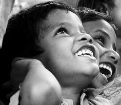 Google Image Result for http://upload.wikimedia.org/wikipedia/commons/3/3e/Smiles_of_innocence.jpg