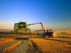 Ahh...I don't think I'm ever gonna be able to get over my love of combines and huge tractors... :)