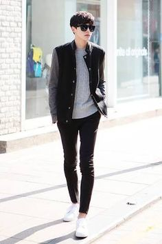 Men Clothing Great look - Korean men's street style. -Lily Men ClothingSource : Great look - Korean men's street style. Korean Fashion Street Casual, Korean Fashion Online, Korean Fashion Winter, Korean Fashion Trends, Asian Fashion, Trendy Fashion, Fashion Outfits, Fashion Clothes, Mens Fashion