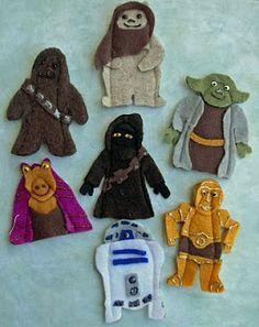 Crack of Dawn Crafts: Star Wars Felt Finger Puppet Patterns: Yoda, Jar Jar Binks, Ewok, R2D2, C3P0, Chewie, & Jawa