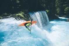 Whitewater Kayaking, Canoe And Kayak, Outdoor Life, Amazing Destinations, Travel Around, Niagara Falls, Surfing, Australia, Outdoor Living