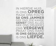 In hierdie huis Wall Decals, Wall Stickers, Sweet Home, Diy Crafts, Vinyl Quotes, Afrikaans, Hobbies, Range, Home Decor