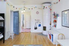 Sovrum 3 / barnrum med egen kakelugn