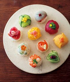 Temarizushi手まり寿司 - January 09 2019 at - Foods and Inspiration - Yummy Sweet Meals - Comfort Foods Recipe Ideas - And Kitchen Motivation - Delicious Cakes - Food Addiction Pictures - Decadent Lifestyle Choices Temari Sushi, Japanese Food Sushi, Sushi Cake, Bento Recipes, Food Garnishes, Food Decoration, Aesthetic Food, Cute Food, Creative Food