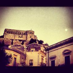 Luci su San matteo  Instagram: afoninamaragarita    #sciclidigitale #Italy #Sicily #instagram