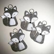 Výsledok vyhľadávania obrázkov pre dopyt heijastin askartelu Diy Crafts For School, Crafts To Do, Hobbies And Crafts, Felt Crafts, Crafts For Kids, Arts And Crafts, Diy Keychain, Little Gifts, Fabric Flowers