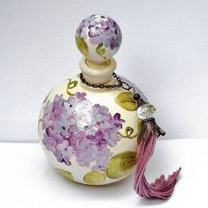 Hand Painted Lavender Hydrangea Flower Vintage Style Round Glass Perfume Bottle with Stopper Cap and Swarovski Crystal Bead Antique Perfume Bottles, Vintage Perfume Bottles, Flower Perfume, Beautiful Perfume, Beads Online, Swarovski Crystal Beads, Hydrangea Flower, Bottle Art, Vintage Flowers
