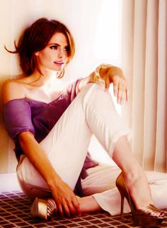 Stana & gorgeous gold shoes
