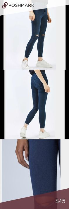TOPSHOP MOTO INDIGO RIPPED JONI JEANS High waisted fit. Joni jeans in indigo. Topshop Topshop Jeans Ankle & Cropped