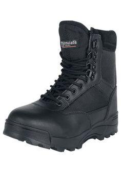 Originálne topánky Brandit - Zipper Tactica  - Thinsulate izolácia - Protišmyková podrážka - Výška sáry: 16 cm  Ak sa ocitnete hoci aj v snehovej búrke, s dobre vybavenými topánkami Zipper Tactica od Brandit, vám žiadna ujma nehrozí. V pevných topánkach budú vaše nohy dobre chránené od snehu, dažďu a iným nebezpečenstvom. Protišmyková podrážka zaručuje pevný krok.