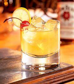 Navigating the Cocktail Menu: How Diet-Busting Is Your Beverage? via @byrdiebeauty
