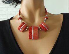 Collier chic et moderne rouge et argent