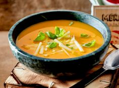Unser beliebtes Rezept für Süßkartoffel-Apfel-Suppe und mehr als 55.000 weitere kostenlose Rezepte auf LECKER.de.