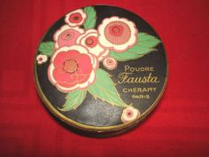 Old face powder box powder box cheramy fausta art deco 1930 Vintage Vanity, Vintage Tins, Powder Puff, Face Powder, Old Faces, Lipstick Case, Vintage Packaging, Cosmetics & Perfume, Vintage Perfume Bottles