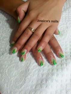 gel nail green fluo