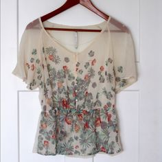 LC Lauren Conrad Top Only worn a few times! Like new floral print top from LC Lauren Conrad. LC Lauren Conrad Tops Blouses