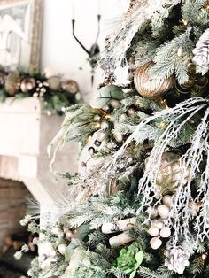 A frosted tree makes for an elegant and cozy vibe. What will your décor look like this year? Elegant Christmas Trees, Christmas Tree Themes, Merry Little Christmas, Green Christmas, Christmas Design, Country Christmas, Beautiful Christmas, Christmas Wreaths, Holiday Decor