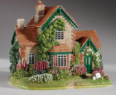 Lilliput Lane Cottages & Famouse LandMarks, view the entire collection. Clay Houses, Ceramic Houses, Miniature Houses, Clay Fairy House, Fairy Houses, Art Carton, Lampe Crochet, Crea Fimo, Garden Nook