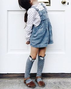 cute socks with overall shorts // kids fashion outfit Little Girl Fashion, Toddler Fashion, Kids Fashion, Little Girl Style, Fashion Clothes, Fashion Dresses, Toddler Girl Style, Fashion Games, Retro Fashion