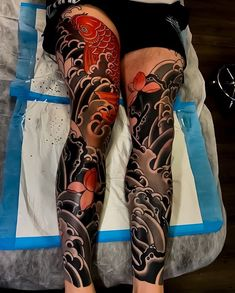 Search inspiration for a Japanese tattoo. Japanese Wave Tattoos, Japanese Flower Tattoo, Japanese Tattoo Symbols, Japanese Tattoo Designs, Japanese Sleeve Tattoos, Irezumi Tattoos, Tatuajes Irezumi, Tattoos Bein, Full Leg Tattoos