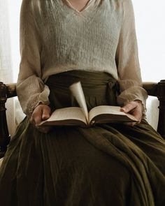 """""""Her reputation for reading a great deal hung about her like the cloudy envelope of a goddess in an epic. Yennefer Of Vengerberg, Feeds Instagram, Anne Of Green Gables, Little Doll, Character Aesthetic, Book Aesthetic, Boho, Aesthetic Pictures, Vintage Fashion"""