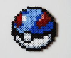 Dessous de verre perle pokeball Hama par CrackBrainCrafts sur Etsy
