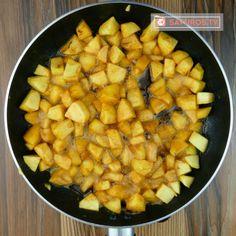 Cea mai delicioasă tartă cu mere mâncată vreodată! Merită încercată - savuros.info Mai, Sweet Potato, Potatoes, Vegetables, Cooking, Recipes, Food, Kitchen, Potato