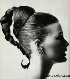 Vintage hairstyles for the evening - 1965 - hair - hair Mexican Hairstyles, 1950s Hairstyles, Vintage Hairstyles, Braided Hairstyles, Evening Hairstyles, Beautiful Hairstyles, Cool Braids, Super Hair, Vintage Beauty