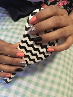 Did my cousin, Sharon's nails!💅🏽