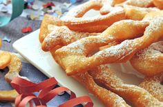 Amazing Bugnes light baked WW, delicious light and fluffy donuts, baked, very easy and simple to make to celebrate Mardi Gras. Thermomix Desserts, Ww Desserts, Cinnabon, Gourmet Recipes, Low Carb Recipes, Healthy Recipes, Churros, Bugles Recipe, Mardi Gras