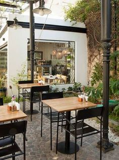 Outdoor coffee table shop