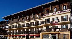 Hôtel Las Donnas Auron Las Donnas is situated in the centre of Auron in the Southern Alps. Facing the sun in front of ski slopes, it offers free parking and friendly accommodation. Free WiFi access is available.