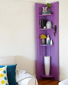 Use an old door to make some stylish shelves in your room. Take an old solid core timber door and transform it into an appealing and handy corner shelf unit. Paint it in your favourite colour or sand it back and enjoy a distressed timber look. Corner Shelving Unit, Corner Bookshelves, Corner Storage, Bookcases, Diy Home Decor, Room Decor, Diy Casa, Old Doors, Better Homes And Gardens
