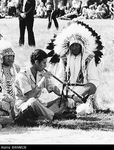 Prince Charles attending a Blackfoot Indian ceremony at Calgary Canada puffs a peace pipe Blackfoot Indian, Native Indian, Native Art, Montana, Native American Tribes, Native Americans, My Heritage, Special People, First Nations